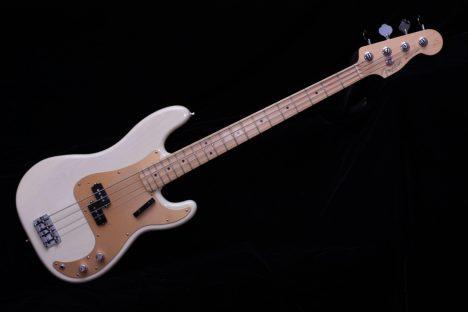 Fender Prescision White Vintage Electric Bass